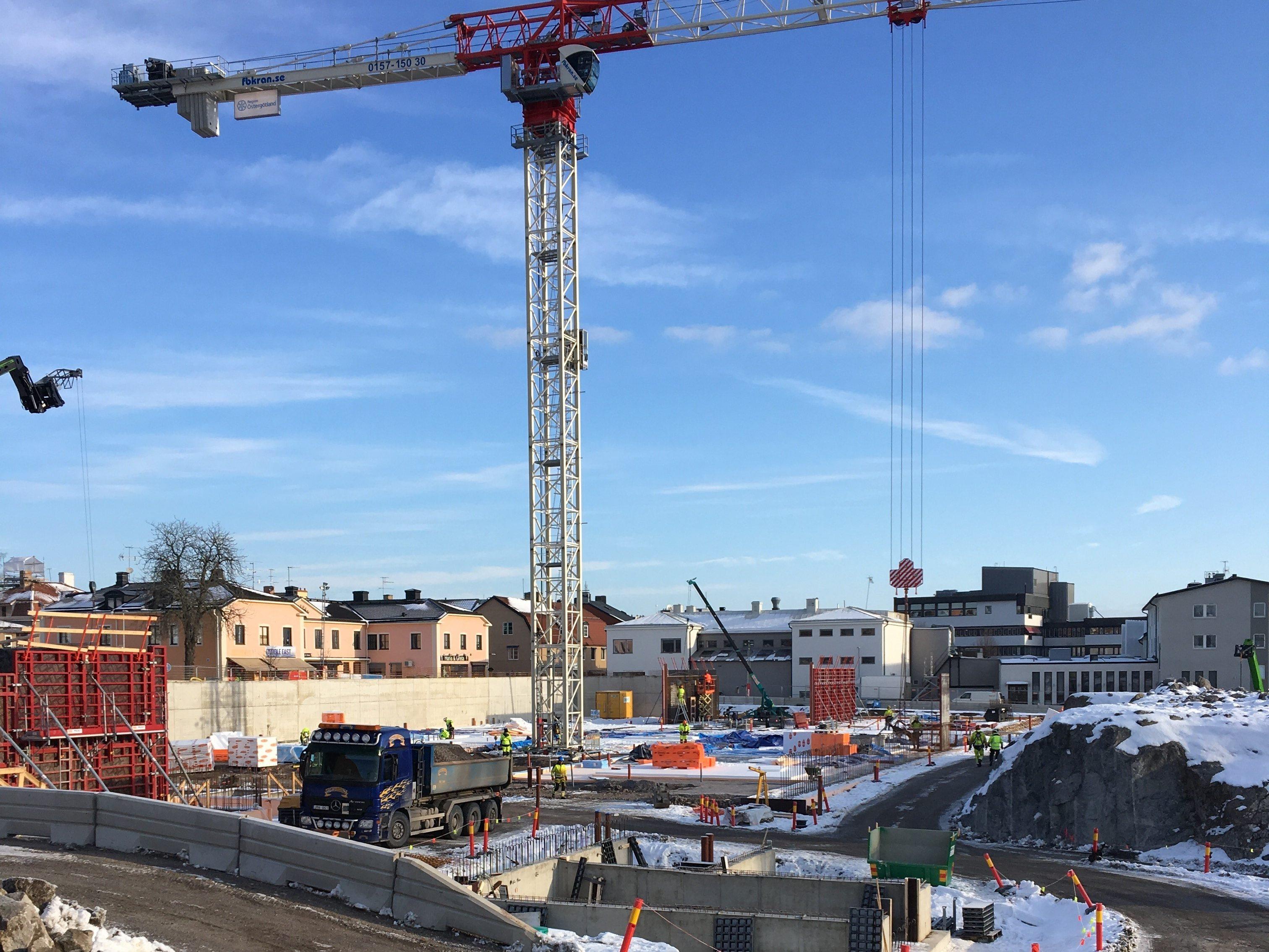 Byggarbetsplatsen när Finspångs Vårdcentrum är under byggnation